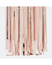 backdrop streamers wit en goud Ginger Ray