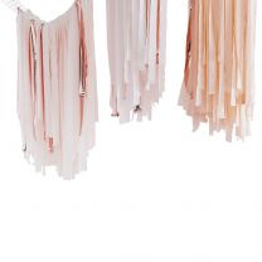 Backdrop plafond streamers blush, roze en rosé goud
